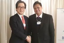 Menteri Perindustrian Airlangga Hartarto bersama Chairman Jetri Hiroyuki Ishige