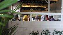 Jade Coffee Lounge menghadirkan konsep cafe minimalis serta cozy untuk pecinta Easy Coffee.