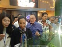 Menteri BUMN Rini Soemarno saat mengunjungi Indonesia Properti Expo (IPEX) 2019 di Jakarta, Sabtu (2/2/2019)