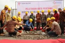 Menteri Perindustrian Airlangga Hartarto pada Peletakan Batu Pertama Sekolah Vokasi di PT Gunung Raja Paksi (GRP), Cikarang Barat, Bekasi (Foto: Kemenperin)