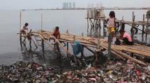 Ilustrasi sampah laut. (Foto: Barcroft Media)