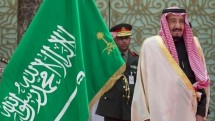 Raja Arab Saudi Salman bin Abdul Aziz Al-Saud. ( Bandar Algaloud / Saudi Royal Council / Handout/Anadolu Agency/Getty Images)