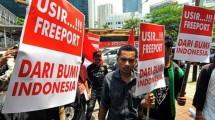 Ilustrasi demonstrasi mahasiswa menolak PT Freeport. (Dasril Roszandi/NurPhoto)