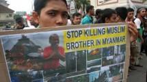 Ratusan Massa Demo di Kedubes Myanmar