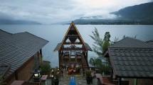 Ilustrasi Danau Toba, Sumatera Selatan. (Annie Owen / robertharding)