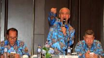 Ketua Umum DPP Real Estate Indonesia Soelaeman Soemawinata saat memimpin rapat DPP REI di Hotel The Anvaya, Kuta, Bali, Sabtu (1/4/2017). (INDUSTRY/Rizki Meirino)