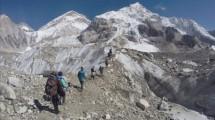 Gunung Everest, Nepal. ((Tashi Sherpa/The Associated Press)