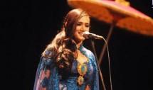Mulan Jameela Tampil Membaca Puisi di TIM