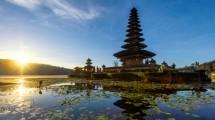 Ilustrasi Pura di Bali. (Momment/tonnaja.com)