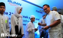 Direktur Utama Bank Mandiri Kartika Wirjoatmodjo, Bank Mandiri Santuni 21 Ribu Anak Yatim. (Foto Rizki Meirino)