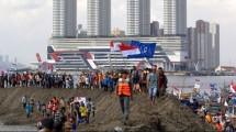 Ilustrasi demonstrasi nelayan menolak reklamasi Teluk Jakarta. (Dasrin Rozandi/NurPhoto via Getty Images)
