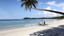 Pantai Lagoi, Pulau Bintan (Foto: shine.indonesia/Instagram)