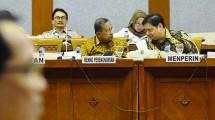 Menko Perekonomian Darmin Nasution dan Menteri Perindustrian Airlangga Hartarto