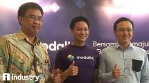 Dr. Hendrikus Passagi - Direktur Pengaturan, Perizinan, dan Pengawasan Fintech OJK , Reynold Wijaya - Co-Founder dan CEO Modalku dan David Ng - Salah Satu Investor Modalku