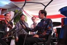 Presiden Jokowi didampingi Menperin Airlangga Hartarto di Cikarang (28/7/2017) (Foto Ist)