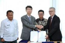 Gubernur Kaltara menyaksikan kerjasama investasi di KIPI ( foto NEWSTARA)