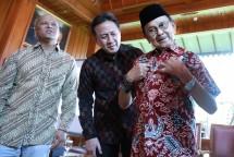 Kepala BEKRAF Triawan Munaf Bersama BJ Habibie dan Ilham Habibe (Foto Ist)