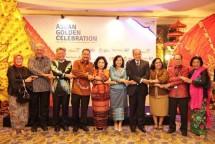 Menpar Arief Yahya bersama panitia ASEANTA Awards 2017 (Foto Ist)