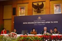 Menteri Perindustrian Airlangga Hartarto memberikan pemaparan mengenai progres pengembangan kawasan industri dan pendidikan vokasi