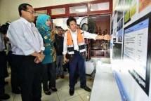 Menhub Budi Karya Sumadi tinjau kesiapan bandara Jember (Foto Humas)