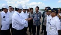 Menhub Budi Karya Sumadi tinjau proyek Pelabuhan Tanjung Api-Api Sumsel (Foto Humas)