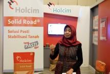 Marketing Director PT Holcim Indonesia, Dhamayanti Suhita
