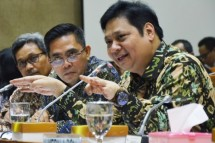 Menperin Airlangga Hartarto reker dengan Komisi VI DPR RI (Foto Humas)