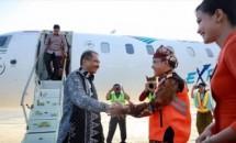 Menpar Arief Yahya pada penerbangan perdana Garuda Indonesia Jakarta-Banyuwangi