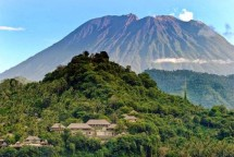 Ilustrasi Gunung Agung Bali (Foto Ist)