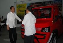 Presiden Joko Widodo melihat Kendaraan Pedesaan MAHESA