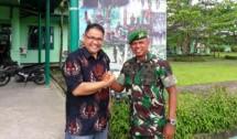 Ketum SMSI Teguh Santosa dan Komandan Brigif 20/IJK, Kolonel Inf. Frits W.R Pelamonia (Foto Ist)