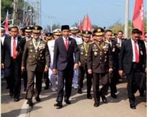 Presiden Jokowi bersama Panglima TNI Gatot Nurmantyo dan Kapolri Tito Karnavian (Foto Setkab)
