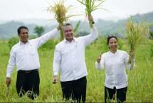 Mentan Andi Amran Sulaiman, Menteri BUUMN Rini Soemarno, Menteri Desa PDT (Foto Humas)