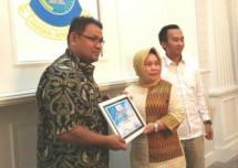 Ketum SMSI Teguh Santosa dan Sekretaris Daerah Pangkalpinang Radmida Dawam (Foto Ist)