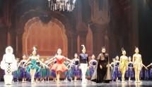 "Para Balerina-Balerino Marlupi Dance Company Dalam Pementasan ""Rama dan Shinta"" di Teater Jakarta, TIM. (foto: Amz)"