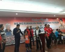 Hatta Taliwang dan Maruarar Sirait saat menghadiri turnamen catur non master (Foto: Anto/Industry.co.id).
