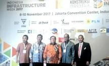 Kepala Bappenas, Ketum KADIN, Dirjen Bina Kontruksi Kemen PUPR di acara Indonesia Investment Week 2017 di Jakarta (dok-INDUSTY.co.id)