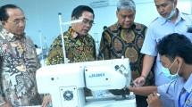 Sekjen Kemenperin Haris Munandar mewakili Menteri Perindustrian pada acara Peresmian Gedung dan Wisuda Lulusan Angkatan Pertama Akademi Komunitas Industri Tekstil dan Produk Tekstil Solo