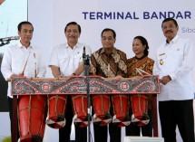 Presiden Jokowi Meresmikan Bandara internasional Silangit Medan