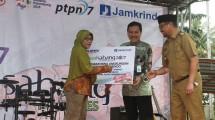 Perum Jamkrindo menahkodai kegiatan bakti sosial yang bertajuk Sail Sabang 2017 di Provinsi Bengkulu bersama dengan sejumlah BUMN seperti PT PLN (Persero), PT Jasa Raharja (Persero) dan PT Perkebunan Nusantara III (Persero) bekerja sama dengan TNI AL