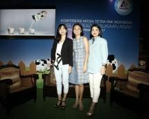 (Kiri ke Kanan) Gabrielle Angriani, Communication Manager of Tetra Pak Indonesia, Emilia E. Achmadi MS., RD, Pakar Gizi, dan Andra Alodita, Lifestyle Blogger Indonesia (dok INDUSTRY.co.id)