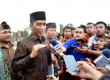 Presiden Jokowi menghadiri Apel Kebangsaan Pemuda Islam Indonesia di pelataran Candi Prambanan, Kabupaten Sleman, Sabtu, (16/12). (Foto: BPMI)