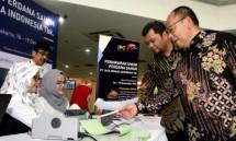 Direktur Utama PT Jasa Armada Indonesia Tbk Dawam Atmosudiro (kanan) dan Direktur Keuangan dan HR PT Jasa Armada Indonesia Herman Susilo