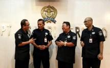 Direktur Utama PT ASABRI Sonny Widjaja bersama Para Pimpinan PT ASABRI (foto Rizki Meirio)