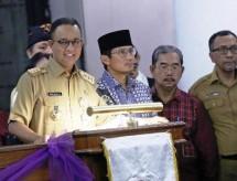 Gubernur Anies dan Wagub Sandiaga (Foto Dok Industry.co.id)