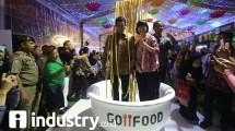 CEO Go-Jek Indonesia, Nadiem Makarim dan Wakil Gubernur DKI Jakarta, Sandiaga Uno, serta Chief Commercial Expansion Go-Jek, Catherine Hindra Sutjahyo, dalam Go-Food Festival di Kawasan Pasaraya, Blok-M, Jakarta (Foto: Rahmat Herlambang/Industry.co.id