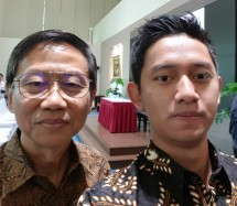 Founder President University SD Darmono bersama Founder RuangGuru (dok INDUSTRY.co.id)