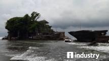 Destinasi Wisata Pura Tanah Lot, Bali (Foto: Rizki Meirino/Industry.co.id)