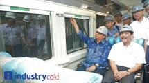 Menteri Perindustrian Airlangga Hartarto bersama Menteri Koordinator Bidang Kemaritiman Luhut Binsar Pandjaitan