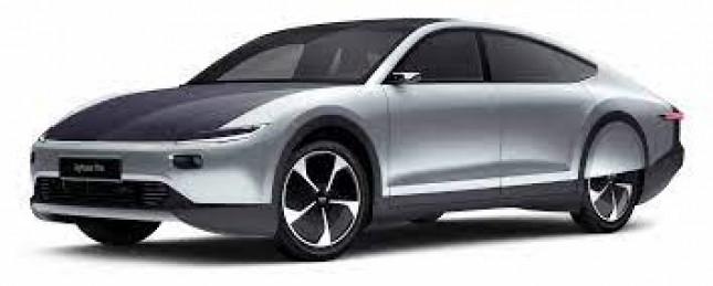 Lightyear One kendaraan listrik bertenaga surya